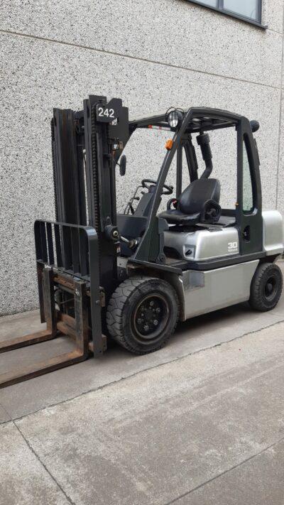 Heftruck Nissan FGD02A30Q 2 242
